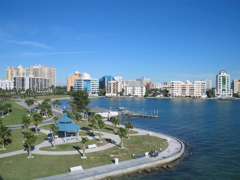 RITZ-CARLTON AND OTHER BAYFRONT LUXURY CONDOMINIUMS